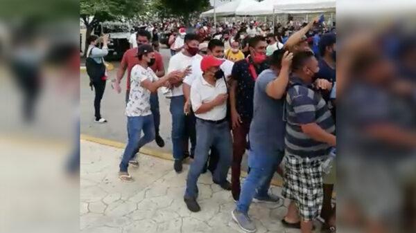 """Estalla la """"bronca"""" por escasez de vacunas covid en Cancún"""