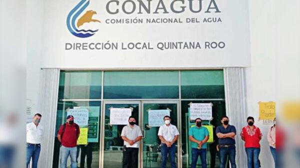 Toman empleados sindicalizados sede de Conagua en Chetumal