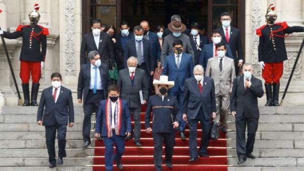 Anuncia presidente de Perú, Pedro Castillo renuncia de su gabinete