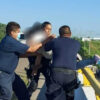Rescatan a mujer quien intentó arrojarse de un puente en Culiacán