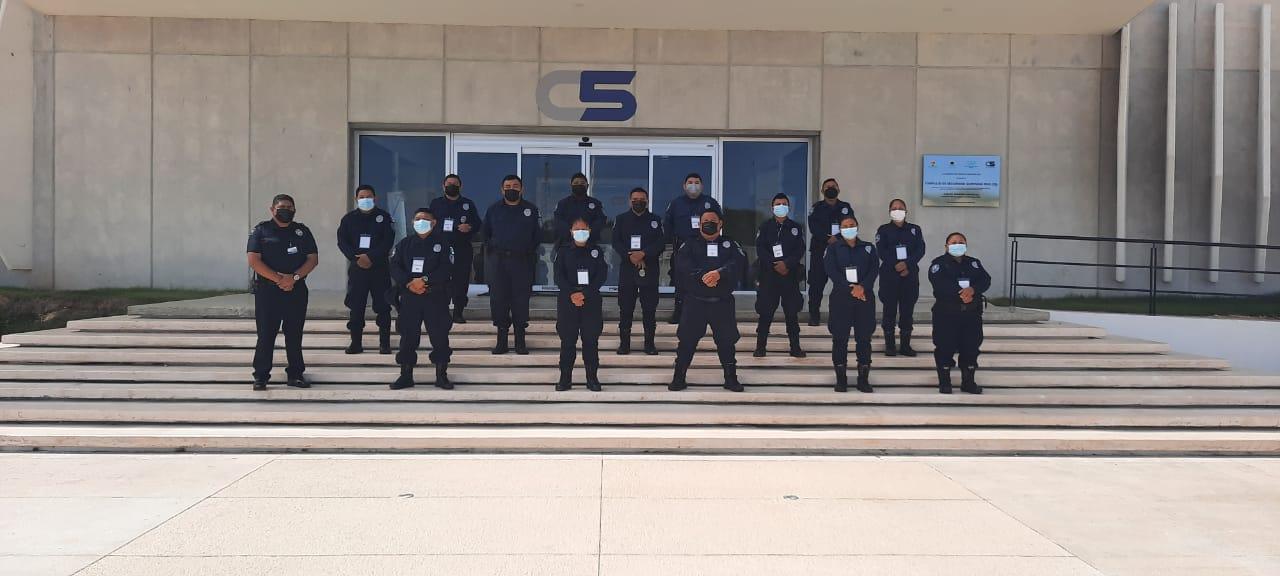 Policías de Kantunilkín recorren el Complejo de Seguridad C5.