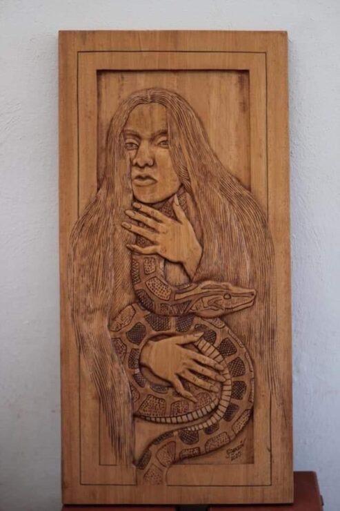 La X-Tabay llega a Brasil, obra emblemática del escultor maya Juan Cimá; ha sido reconocido por su gran trayectoria por sus obras en madera.