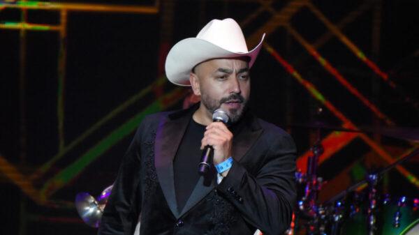 Lupillo Rivera regresa a México