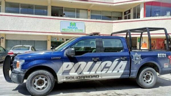 Con lujo de violencia, asaltan negocio en Playa Del Carmen