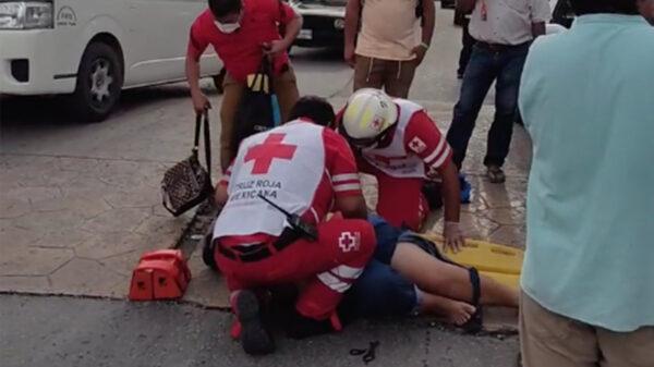 Cancún: Atropellan a mujer cerca del módulo de vacunación covid del Hospital General