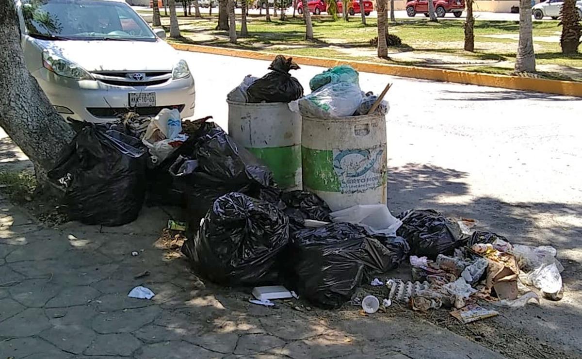 Basura se acumula en calles de Puerto Morelos