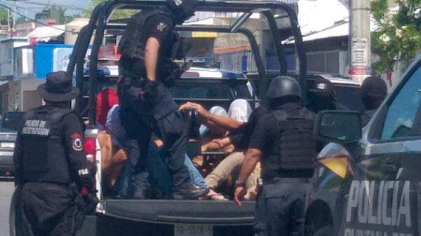 Detienen a 9 personas y aseguran maleta de drogas en Playa Del Carmen