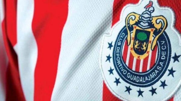 """Liga MX sanciona a la """"estrella"""" de Chivas"""